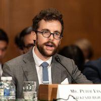 Etats-Unis : Peter Van Valkenburgh face au Comité sénatorial des banques